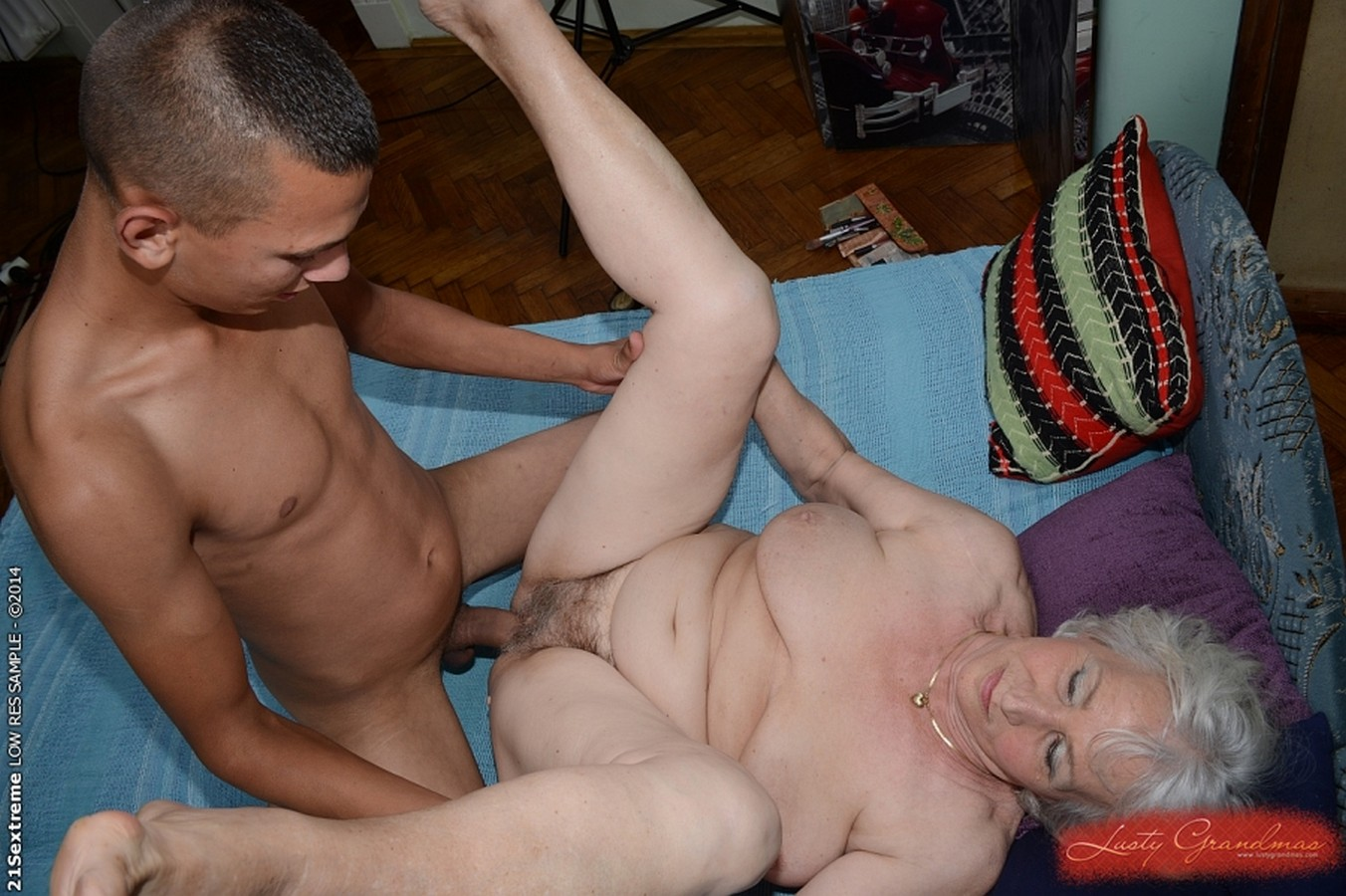 Old lady wants a hard cock