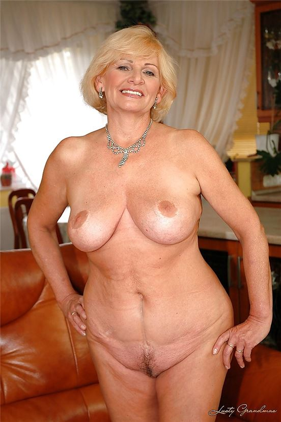 American mom katrina gets herself in the mood 3