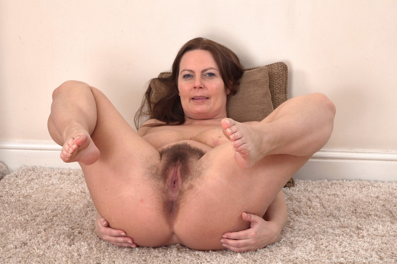 Hairy mature pussy tubes